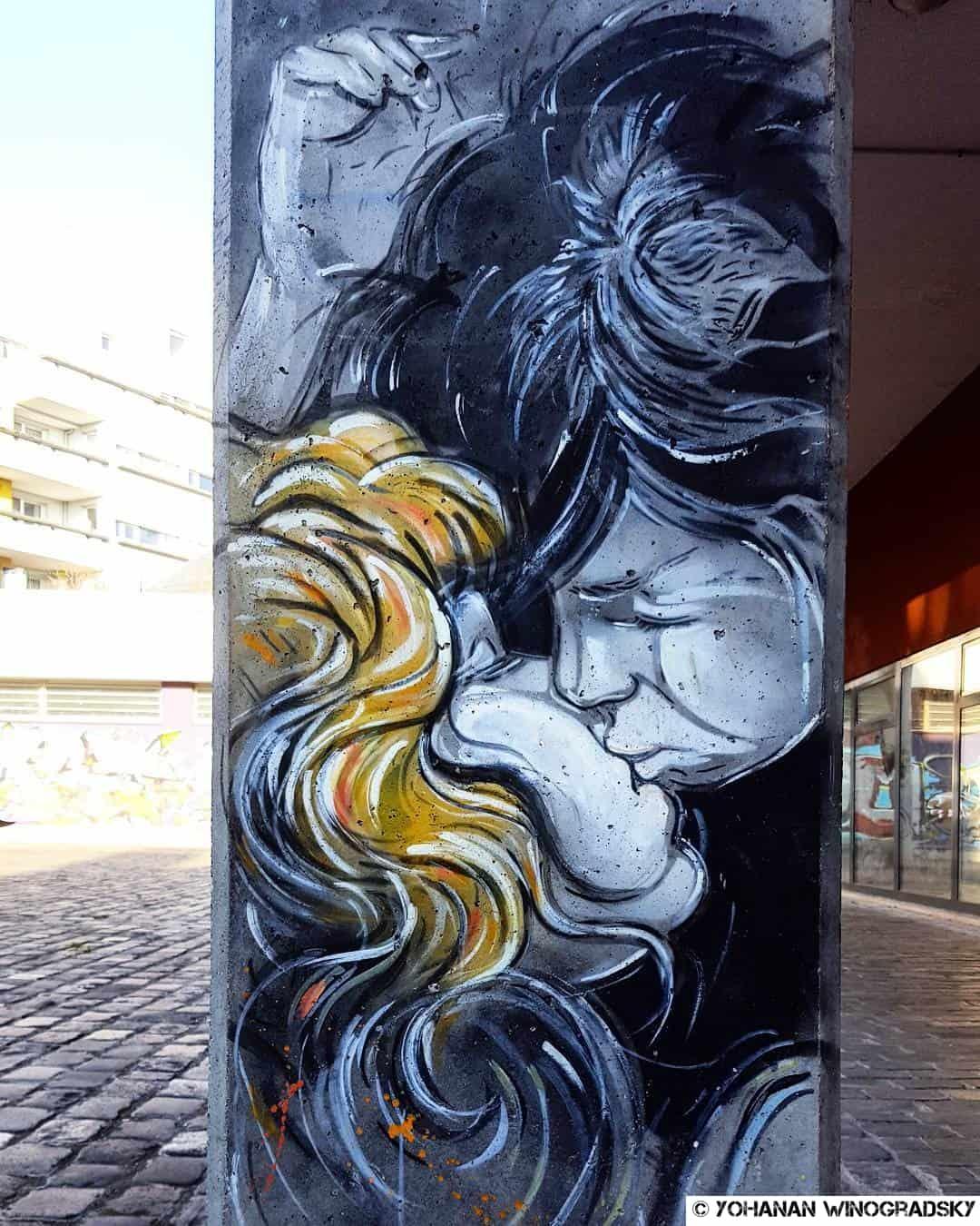 alice pasquini le baiser street art vitry sur seine