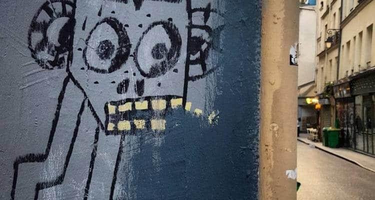 Le robot & la partie de cache-cache – Street art rue Grénéta, Paris