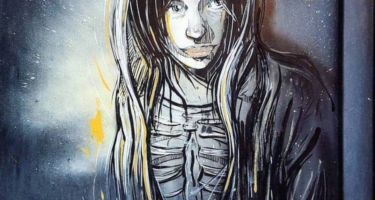 Esprit, es-tu chez toi ? – Street art par Alice Pasquini spécial Halloween, Vitry-sur-Seine