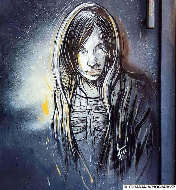street art par alice pasquini à vitry sur seine pour halloween