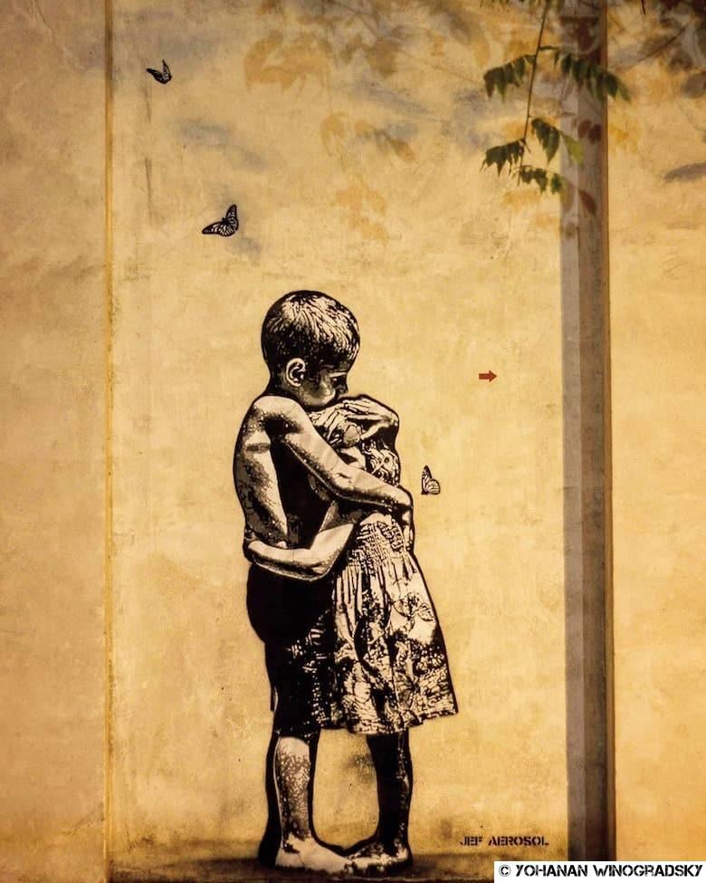 streetart par jef aerosol à la butte aux cailles enfants