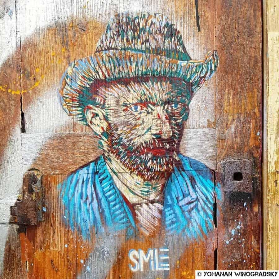 streetart par smile à la butte aux cailles de vincent van gogh