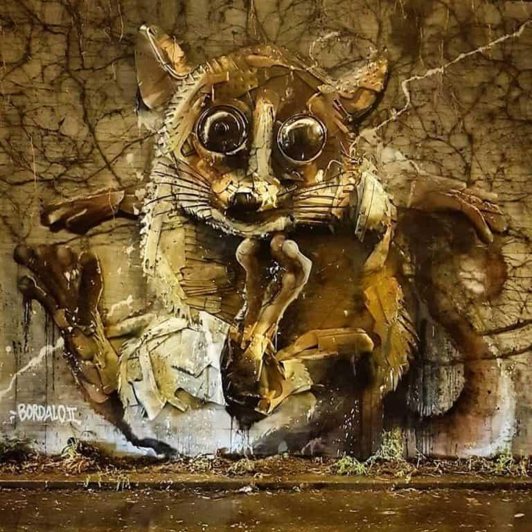 street art par bordalo ii à paris rue watt - crédit photo : yohanan winogradsky